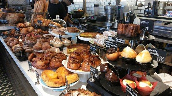 WILDFLOUR CAFÉ+BAKERY