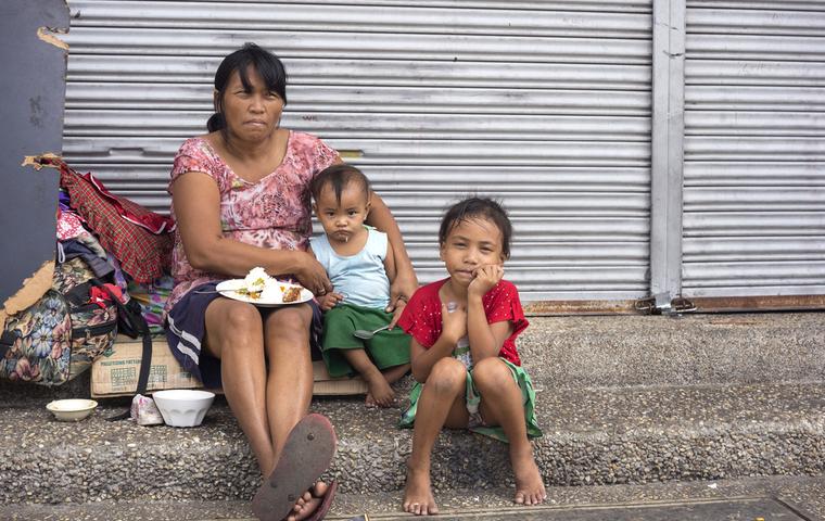 貧しい家族